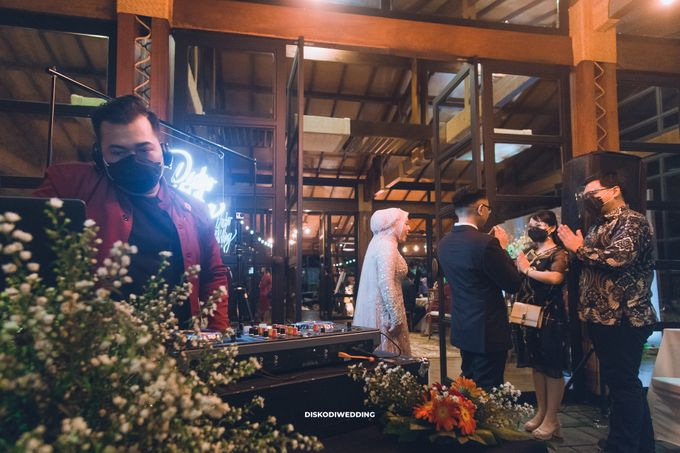 Taman Kajoe | Intimate Kendy & Dimas by diskodiwedding - 010