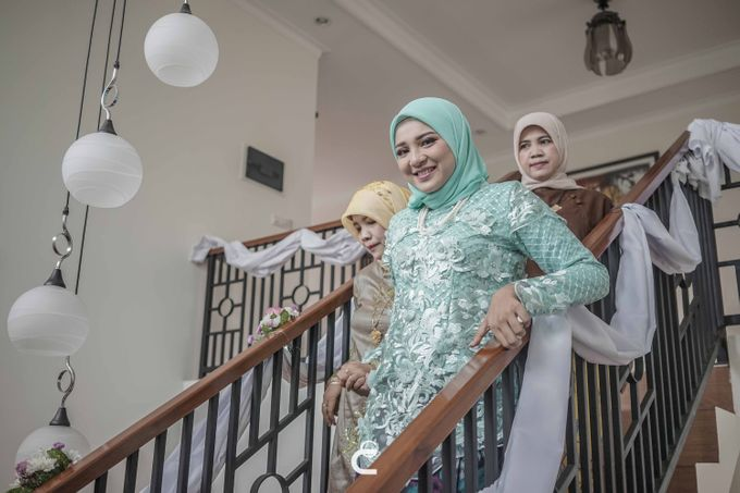 Engagement of Haezah & Rizky by Glenn Chandra Wedding - 009
