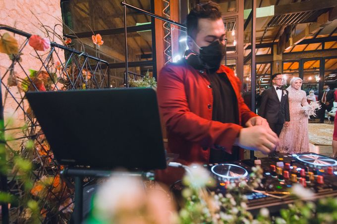 Taman Kajoe | Intimate Kendy & Dimas by diskodiwedding - 011
