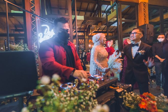 Taman Kajoe | Intimate Kendy & Dimas by diskodiwedding - 013