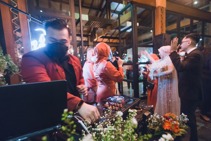 Taman Kajoe | Intimate Kendy & Dimas by diskodiwedding - 014