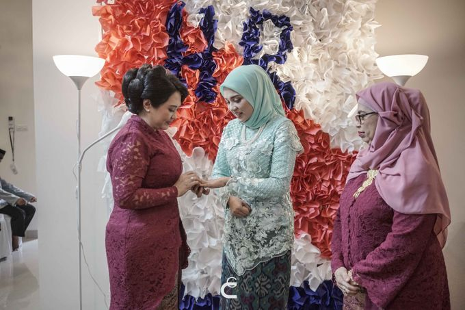Engagement of Haezah & Rizky by Glenn Chandra Wedding - 014