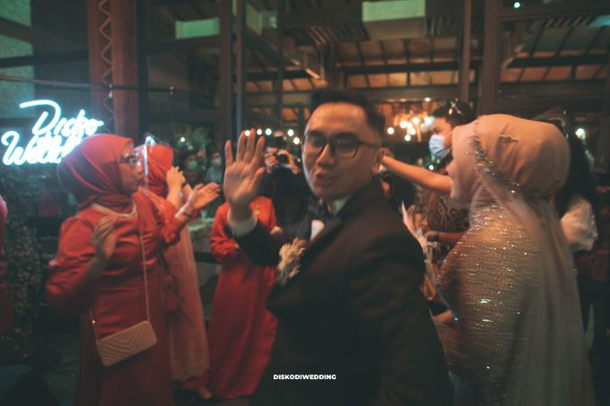 Taman Kajoe | Intimate Kendy & Dimas by diskodiwedding - 015