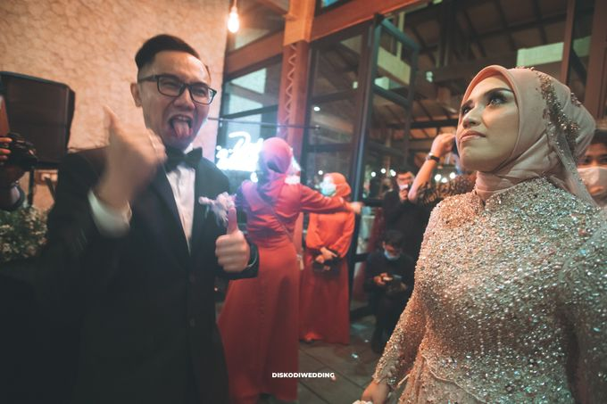 Taman Kajoe | Intimate Kendy & Dimas by diskodiwedding - 016