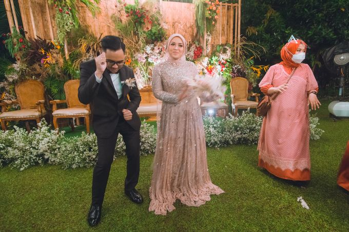 Taman Kajoe | Intimate Kendy & Dimas by diskodiwedding - 017