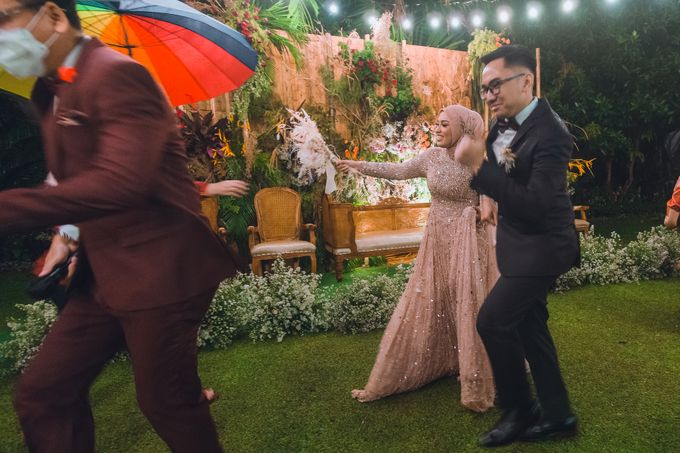 Taman Kajoe | Intimate Kendy & Dimas by diskodiwedding - 020