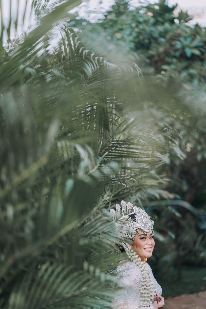 Dyah & Azhari by Simple Wedding Organizer - 003