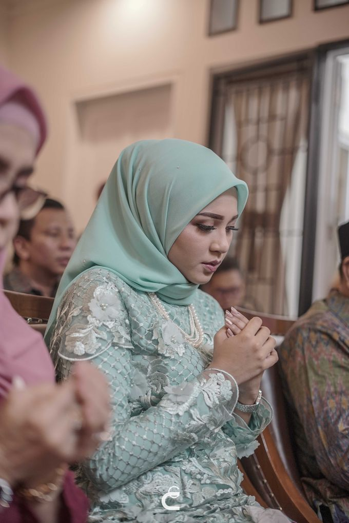Engagement of Haezah & Rizky by Glenn Chandra Wedding - 023
