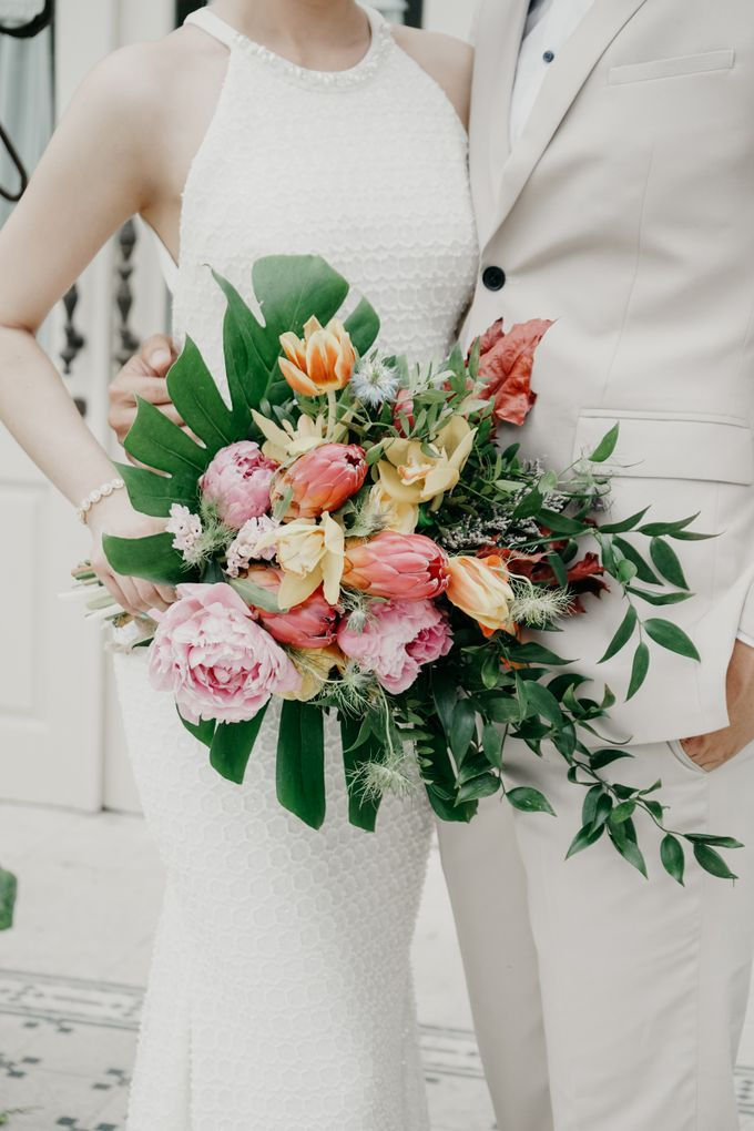 Tropical Wedding - Chintya & Glen by Angie Fior - 018