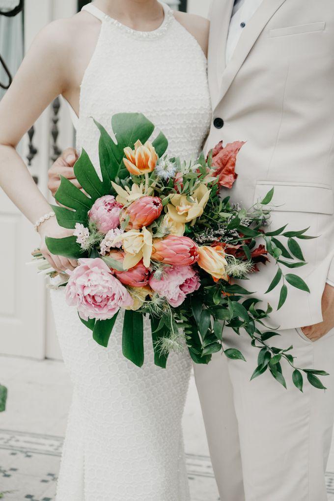 Tropical Wedding - Chintya & Glen by ELNATH - 018