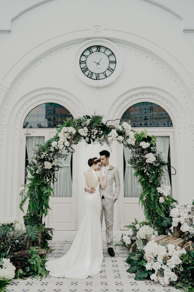 Tropical Wedding - Chintya & Glen by ELNATH - 019