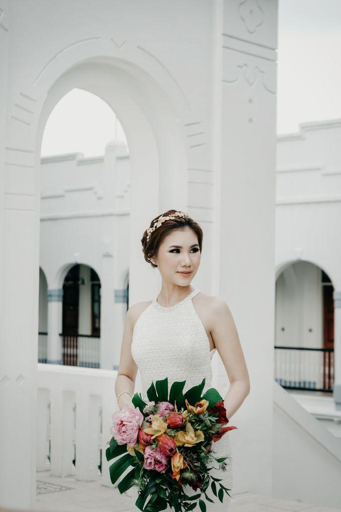 Tropical Wedding - Chintya & Glen by ELNATH - 020