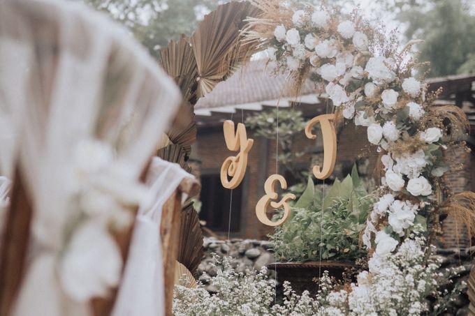 Intimate Wedding - Yoan & Tori by Loka.mata Photography - 019