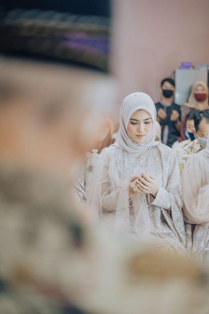 Engagement - Dira & Singgih by Loka.mata Photography - 019