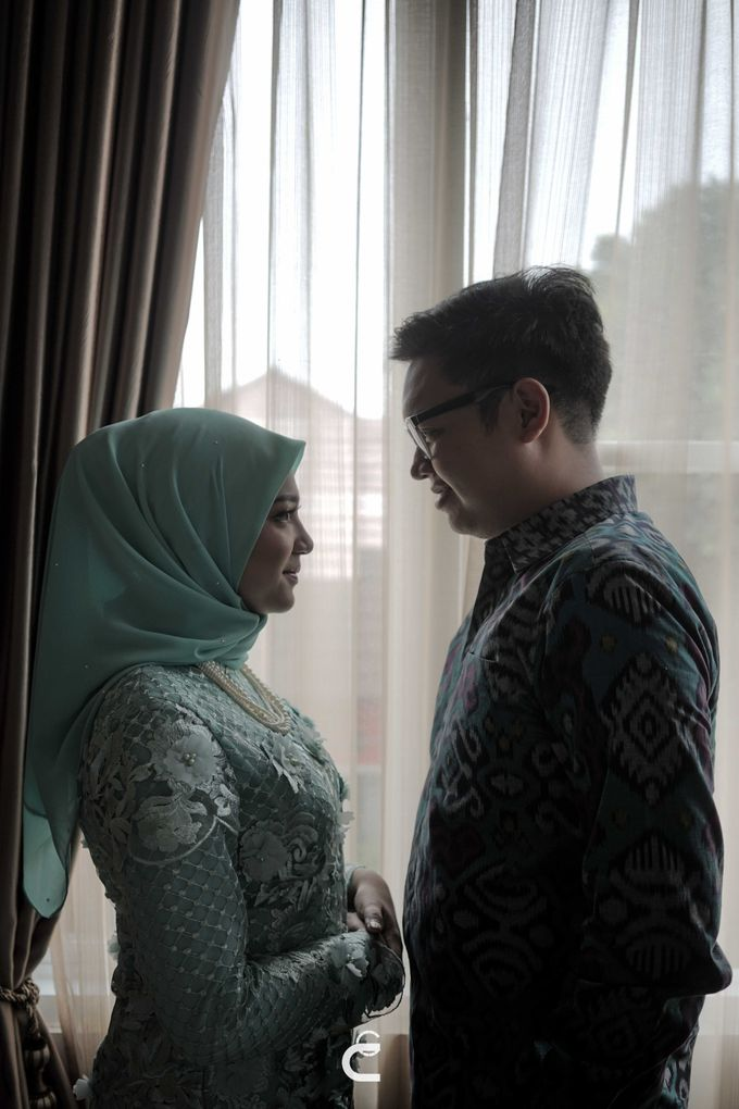 Engagement of Haezah & Rizky by Glenn Chandra Wedding - 029