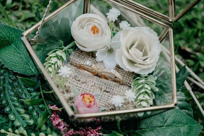 Tropical Wedding - Chintya & Glen by ELNATH - 024