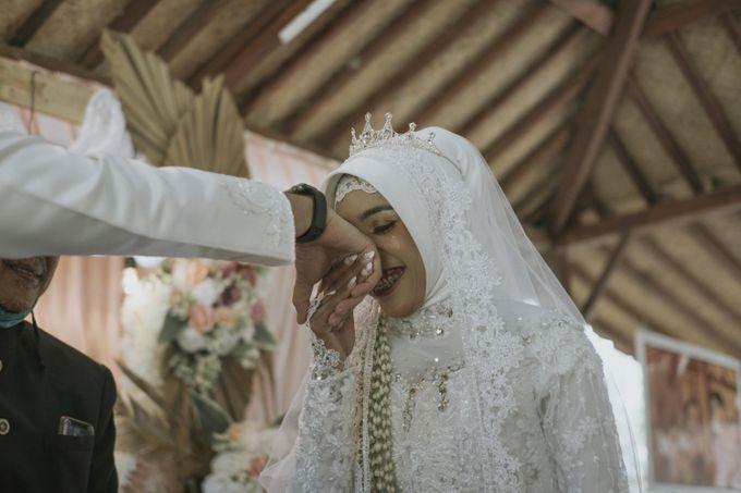 Wedding of Viqy & Vera by jogjasendu - 008