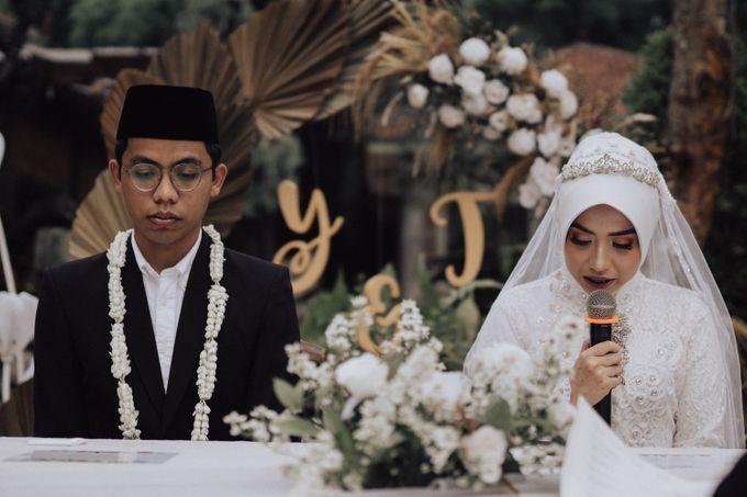 Intimate Wedding - Yoan & Tori by Loka.mata Photography - 021