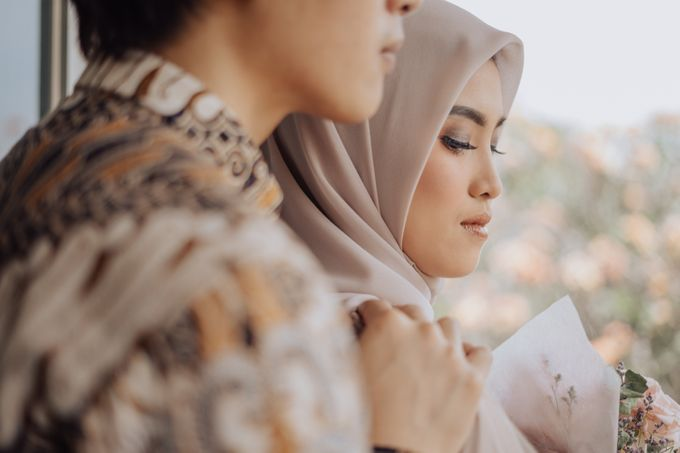 Engagement - Dira & Singgih by Loka.mata Photography - 025