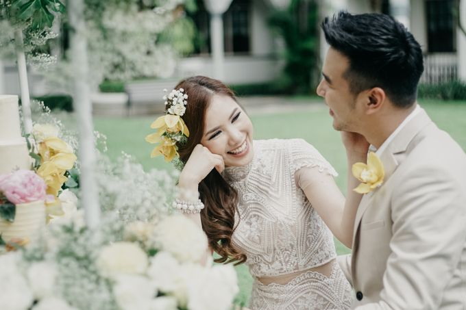 Tropical Wedding - Chintya & Glen by Angie Fior - 025