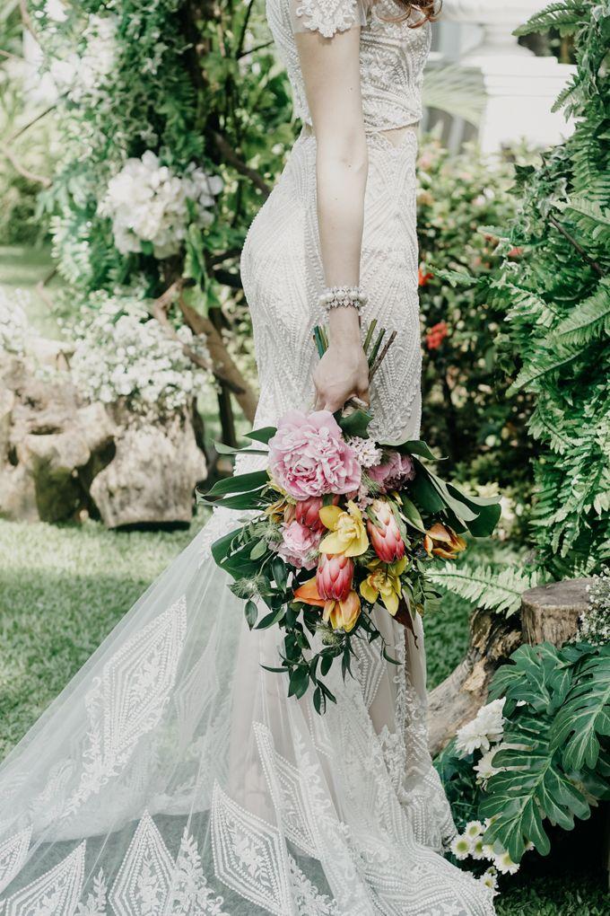 Tropical Wedding - Chintya & Glen by ELNATH - 029