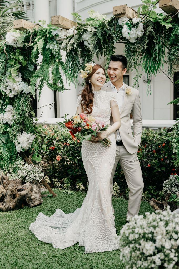 Tropical Wedding - Chintya & Glen by ELNATH - 030