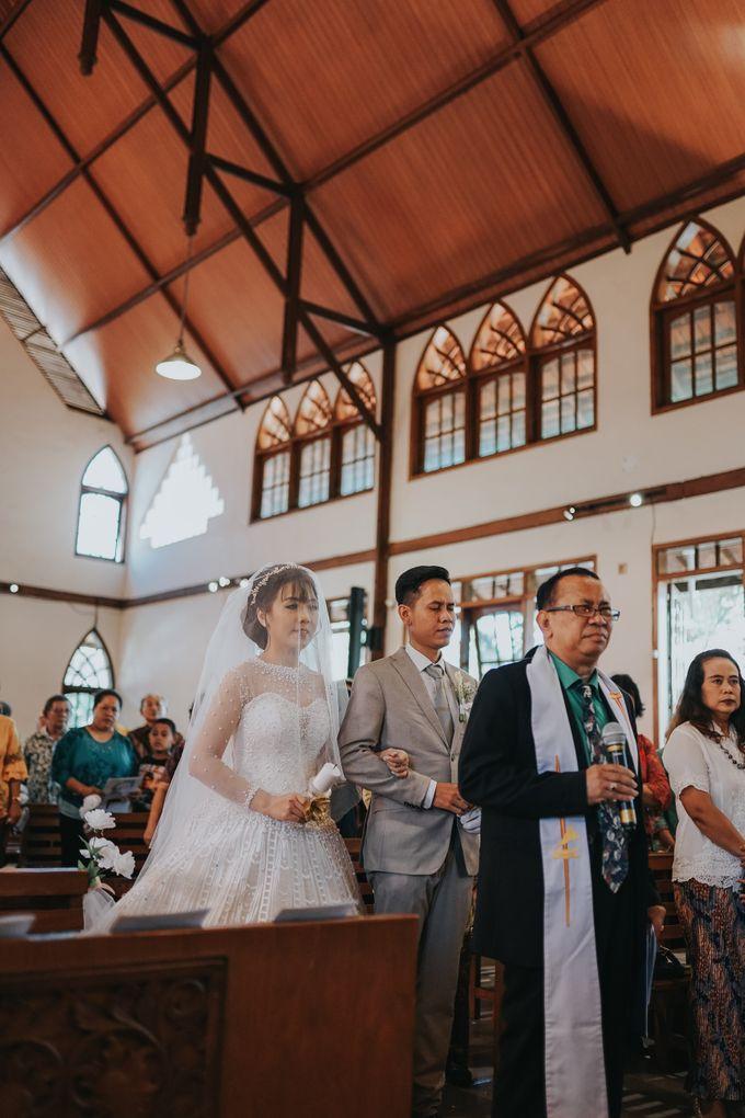 Wedding of Margaretha & Purwo Adi by Ariel Photography - 016