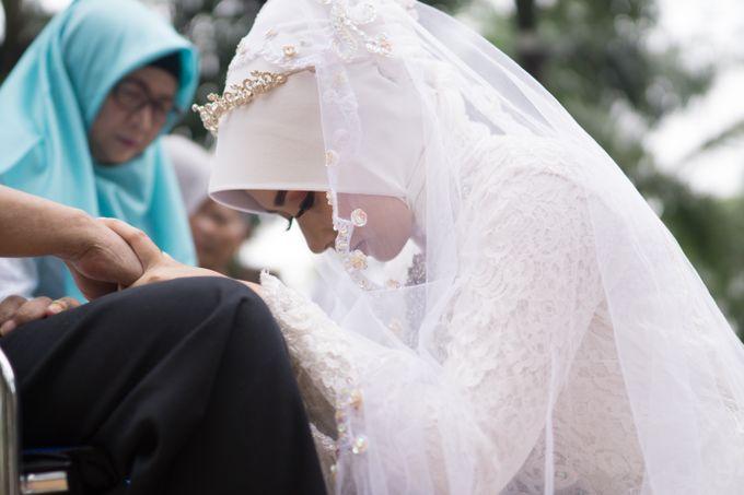 Intimate Wedding - Yoan & Tori by Loka.mata Photography - 023