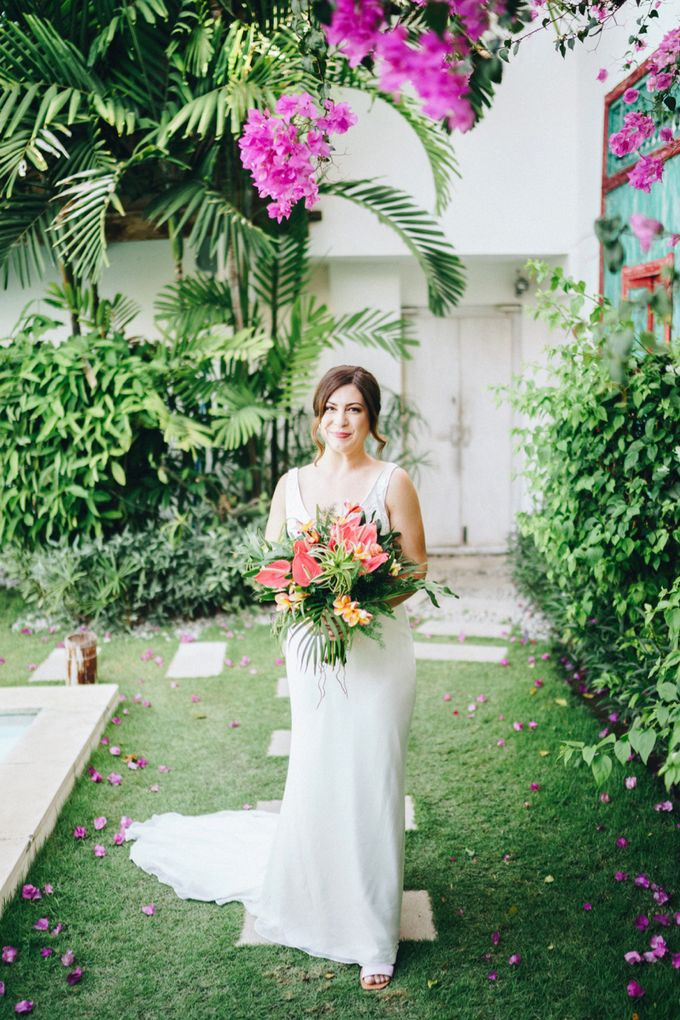 Wedding of  Jenna & Marten by Mata Zoe - 009