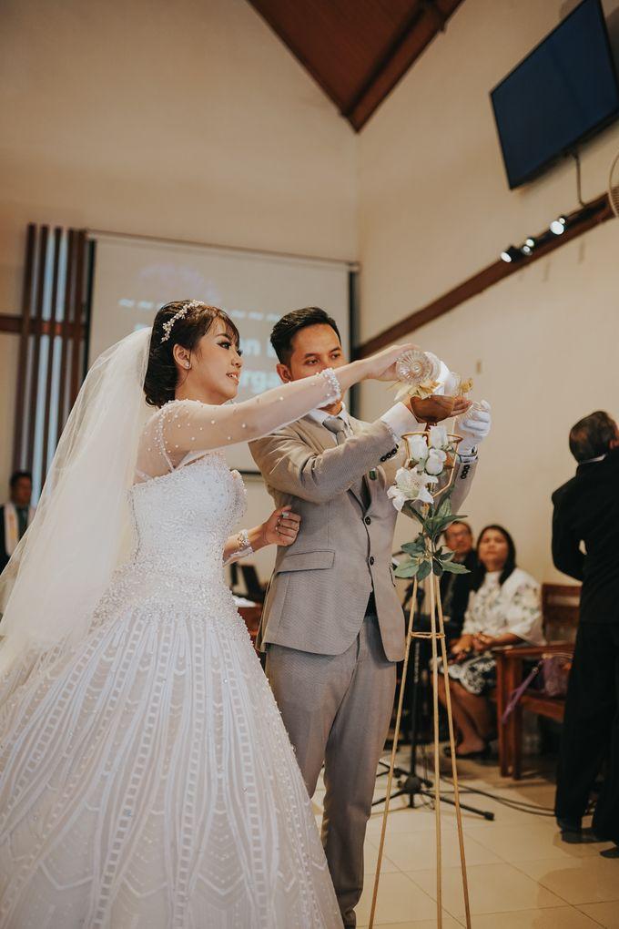 Wedding of Margaretha & Purwo Adi by Ariel Photography - 020