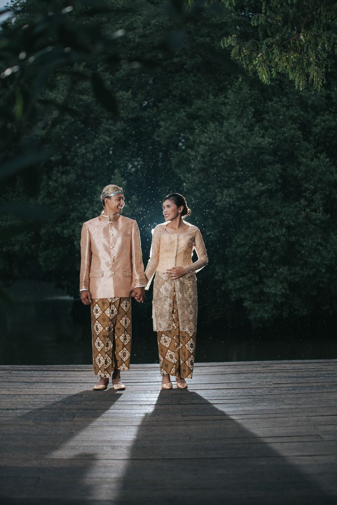 Kamelina & Adhit Prewedding at Pantai Indah Kapuk by GoFotoVideo - 019