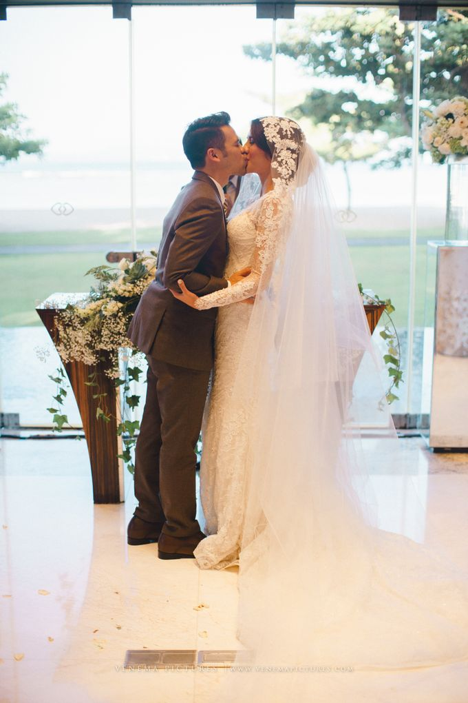 The Wedding of Acha & Andy by Bubah Alfian Make Up Artist - 014
