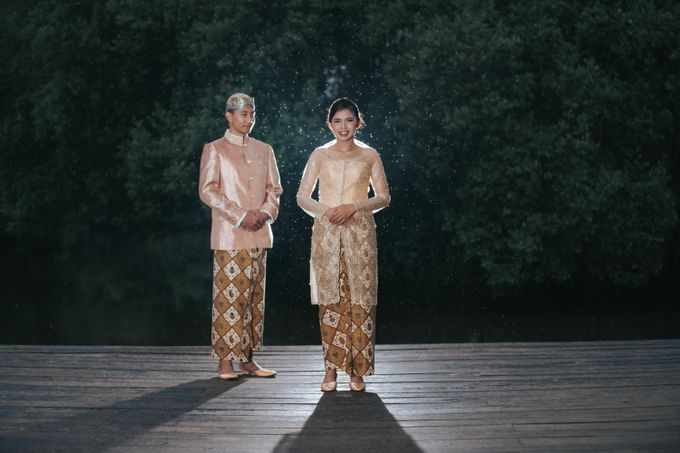 Kamelina & Adhit Prewedding at Pantai Indah Kapuk by GoFotoVideo - 021