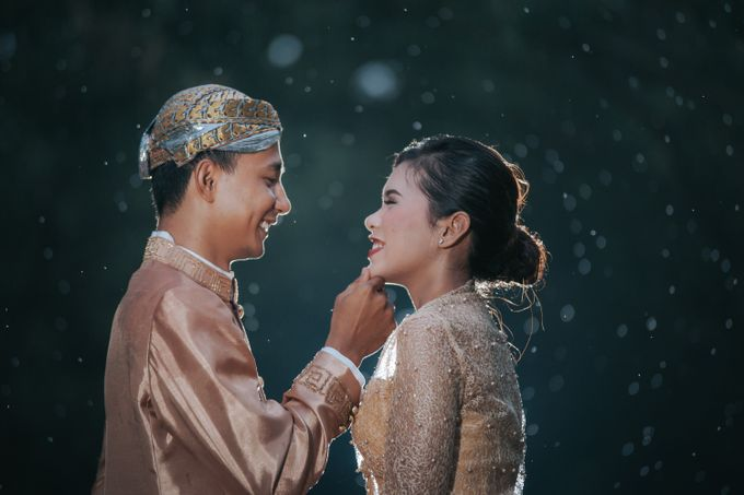 Kamelina & Adhit Prewedding at Pantai Indah Kapuk by GoFotoVideo - 024