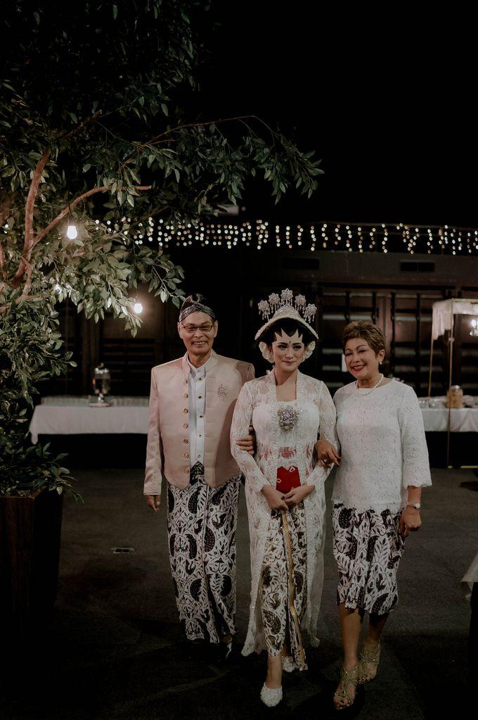Devita & Ivan Wedding by Casablanca Design - 010