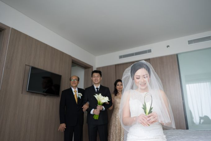 Raymond & Leonie Wedding Day by Wong Hang Distinguished Tailor - 002