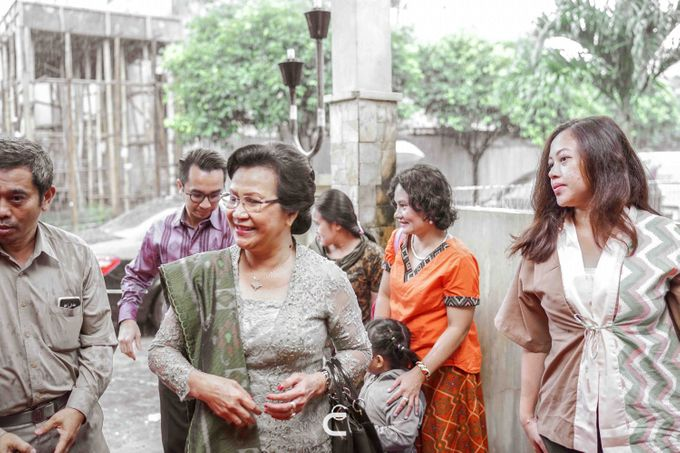 Engagement of Yoshi & Marcia by Glenn Chandra Wedding - 007