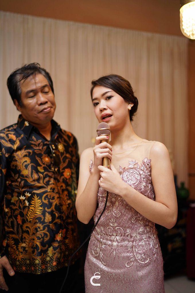 Engagement of Yoshi & Marcia by Glenn Chandra Wedding - 010