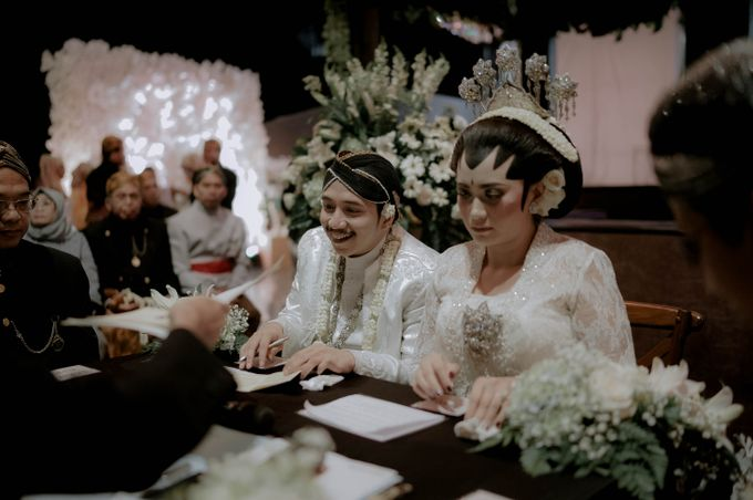 Devita & Ivan Wedding by Casablanca Design - 021