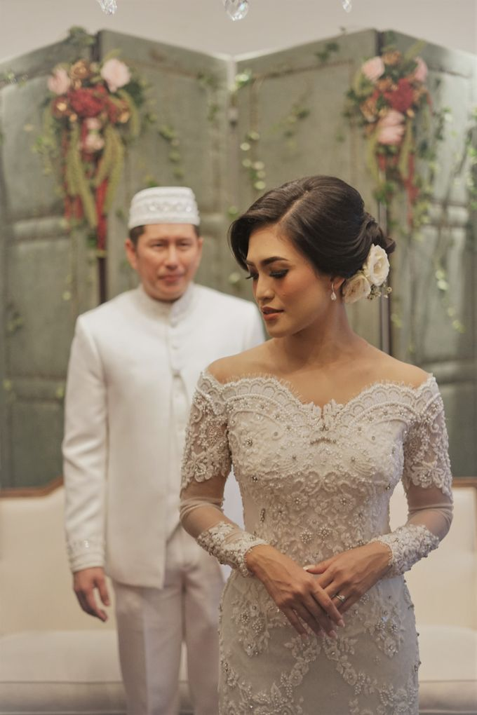 WEDDING CEREMONY OF ANGGINA & JUSTIN by Barli Asmara Couture - 009