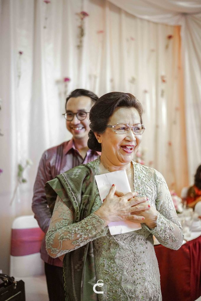 Engagement of Yoshi & Marcia by Glenn Chandra Wedding - 018