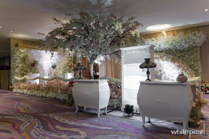 Pullman CP 2018 04 15 by White Pearl Decoration - 002