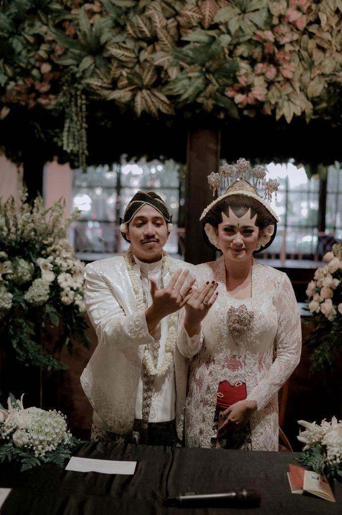 Devita & Ivan Wedding by Casablanca Design - 023