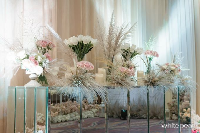 Pullman CP 2018 04 15 by White Pearl Decoration - 003