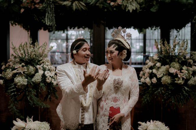 Devita & Ivan Wedding by Casablanca Design - 024