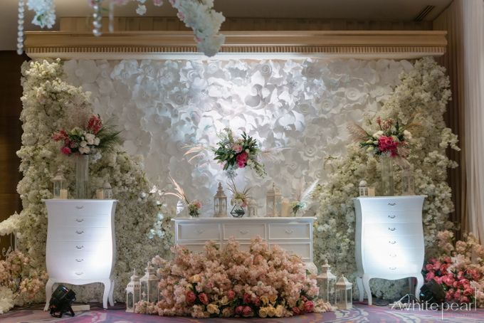 Pullman CP 2018 04 15 by White Pearl Decoration - 007