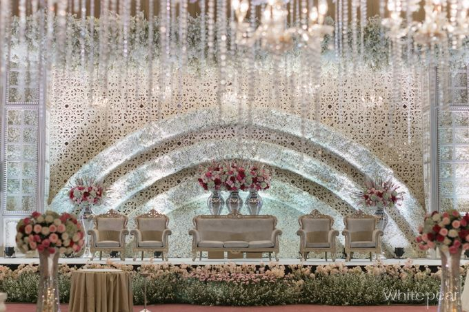 Pullman CP 2018 04 15 by White Pearl Decoration - 017