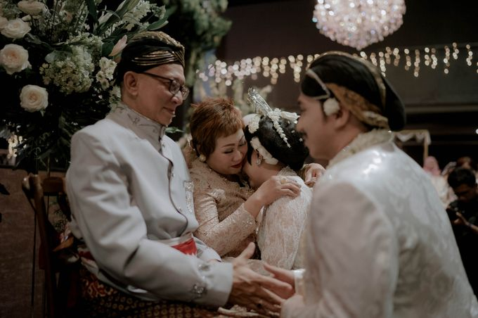 Devita & Ivan Wedding by Casablanca Design - 025