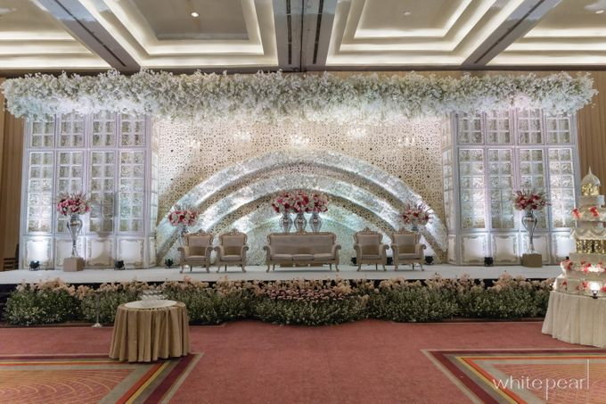 Pullman CP 2018 04 15 by White Pearl Decoration - 016