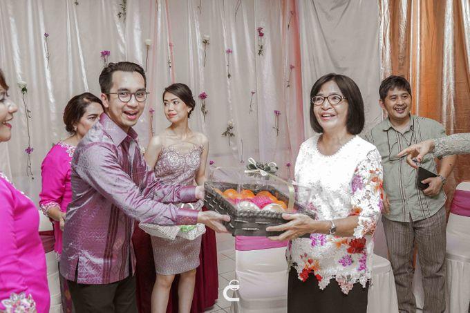 Engagement of Yoshi & Marcia by Glenn Chandra Wedding - 019
